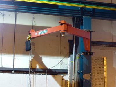 Articulating jIb Crane, electric hoist